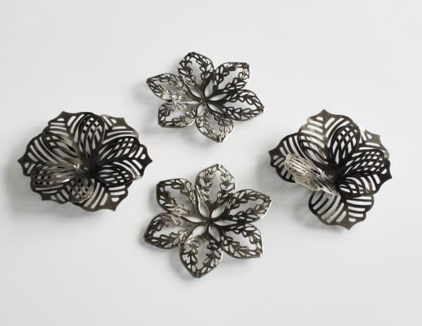 http://craftmania.pl/pl/p/metalowe-kwiaty-stare-srebro/1667