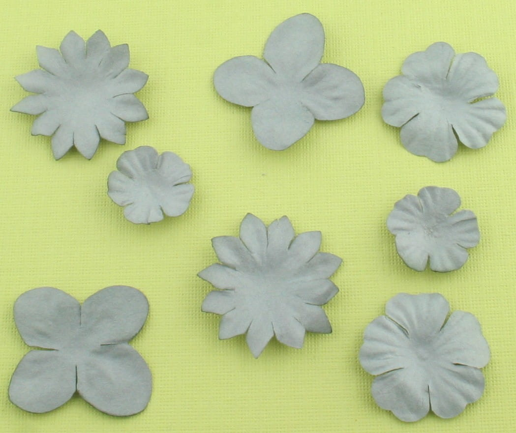 http://craftmania.pl/pl/p/papierowe-kwiatki-szare/214